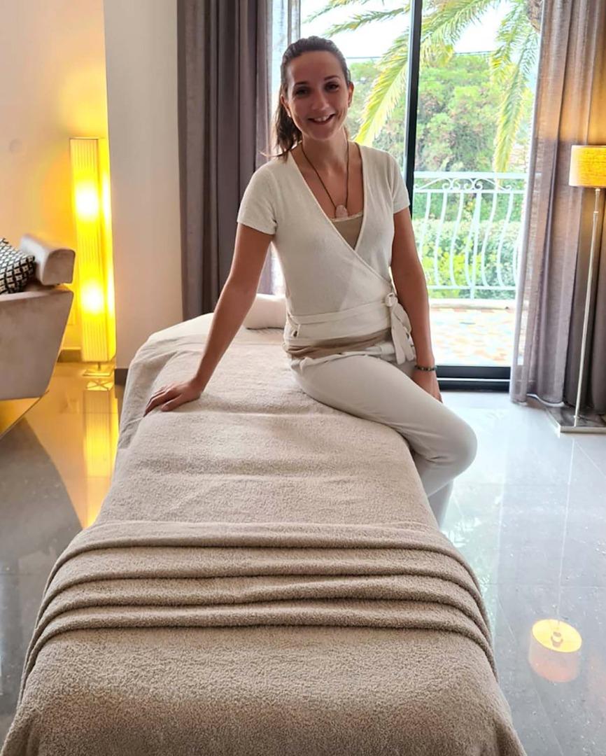 Claire plauchu : Soins esthétiques & Massages à domicile Cannes, Roquefort-les-Pins, La Colle-sur-Loup, 06 Côte d'Azur.